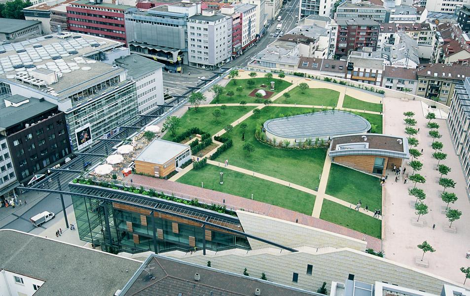 Luftaufnahme des Einkaufszentrums Schlössle-Galerie im baden-württembergischen Pforzheim