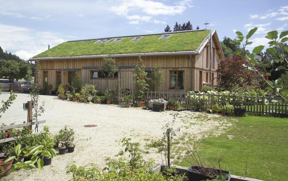 Dachbegrünung der Biobaumschule Eschenhof, St. Veit an der Glan