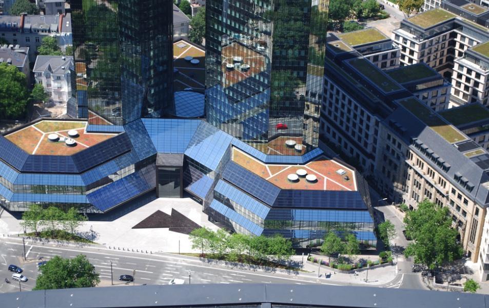 Dachbegrünung des Gebäudes der Deutschen Bank in Frankfurt am Main