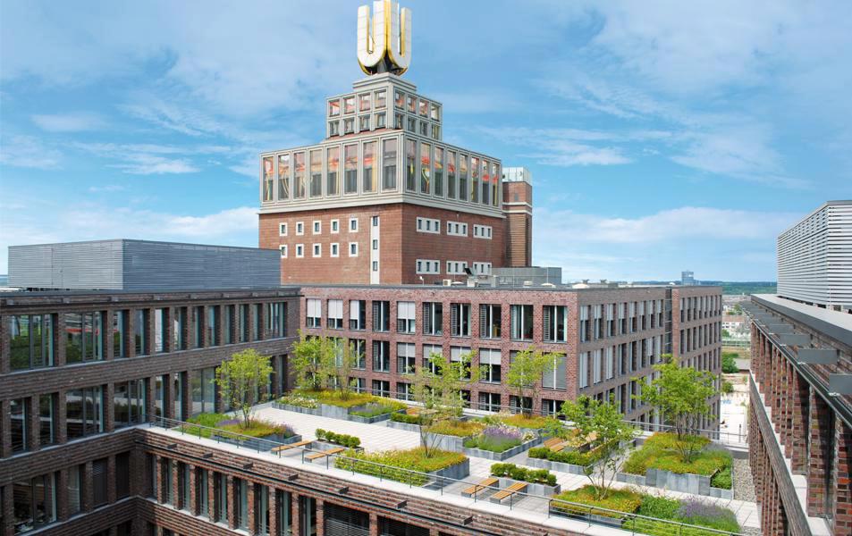 Die Dachbegrünung des Verwaltungsgebäudes des Dortmunder U in Dortmund