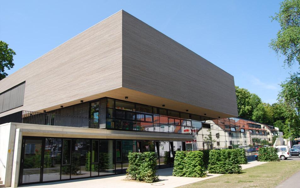 Dachbegrünung des Kultur- & Sportzentrums in Stuttgart-Münster