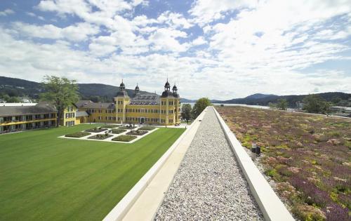 Dachbegrünung von Hotel Schloss Velden am Wörthersee