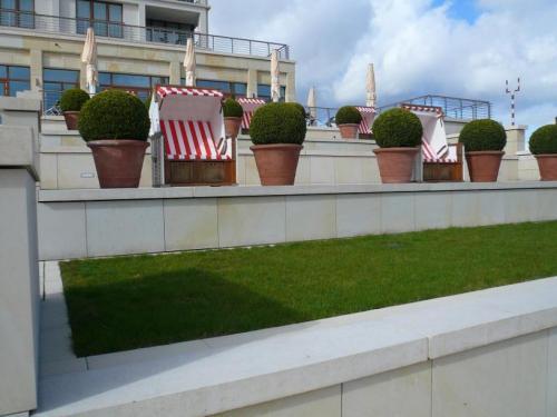 Terrasse des Columbia Hotels in Wilhelmshaven